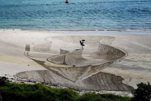 3D-Sand-Drawing-jamie-harkins-jearaf-4